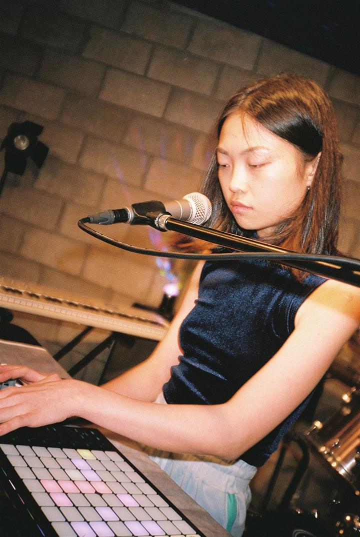 GirlsclubAsia-Music-Hwi-Perform_4-1